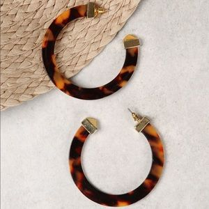 Jewelry - Tortoise shell hoop earrings